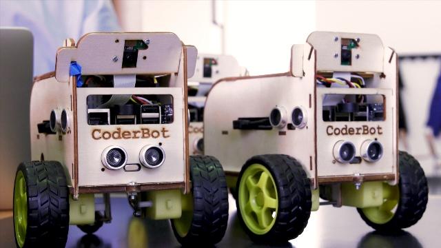 Una piccola flotta di simpatici robot