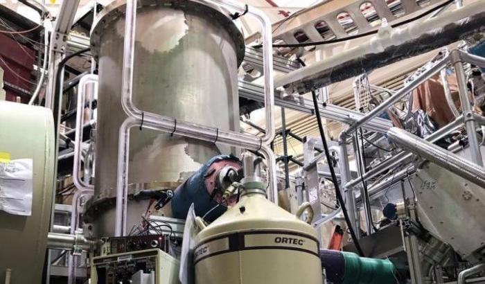 """L'esperimento """"UNCtau"""" per intrappolare i neutroni"""