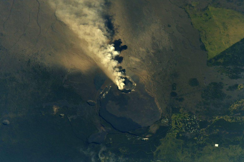 eruzione vulcano kilauea dallo spazio