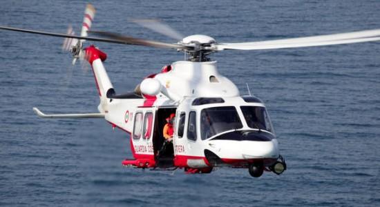 Yacht Con Elicottero Sardegna 2018 : Sardegna soccorso in mare elicottero aw per la