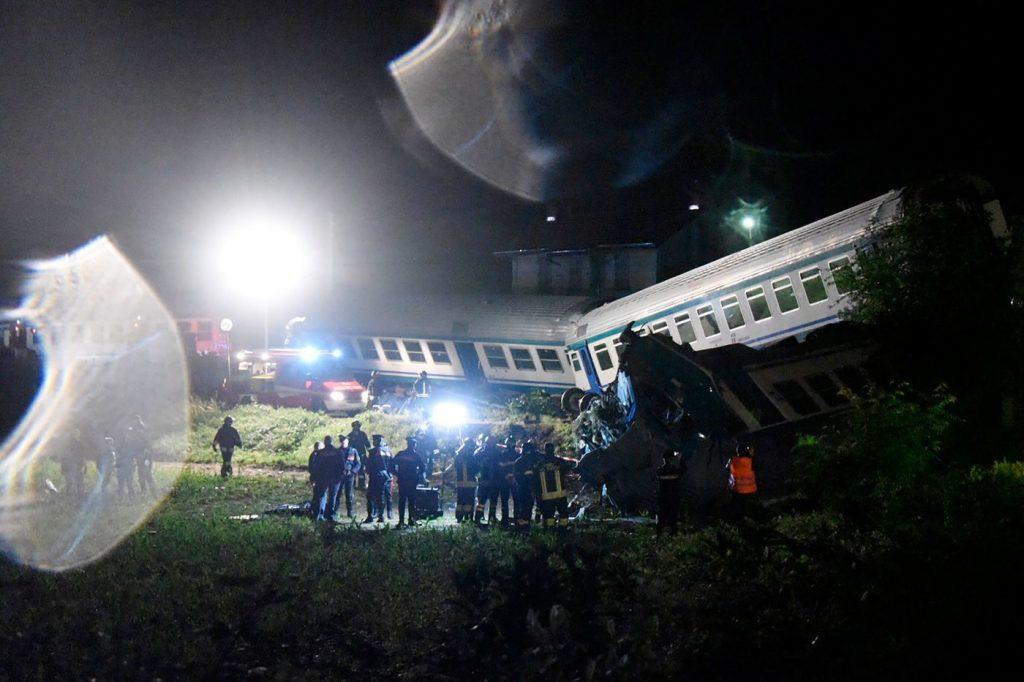 incidente treno camion torino