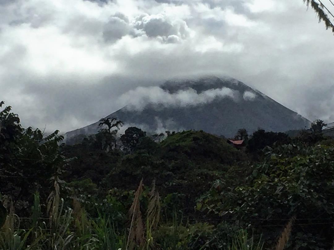 vulcano Reventador Ecuador