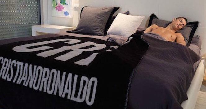 cristiano ronaldo dormire