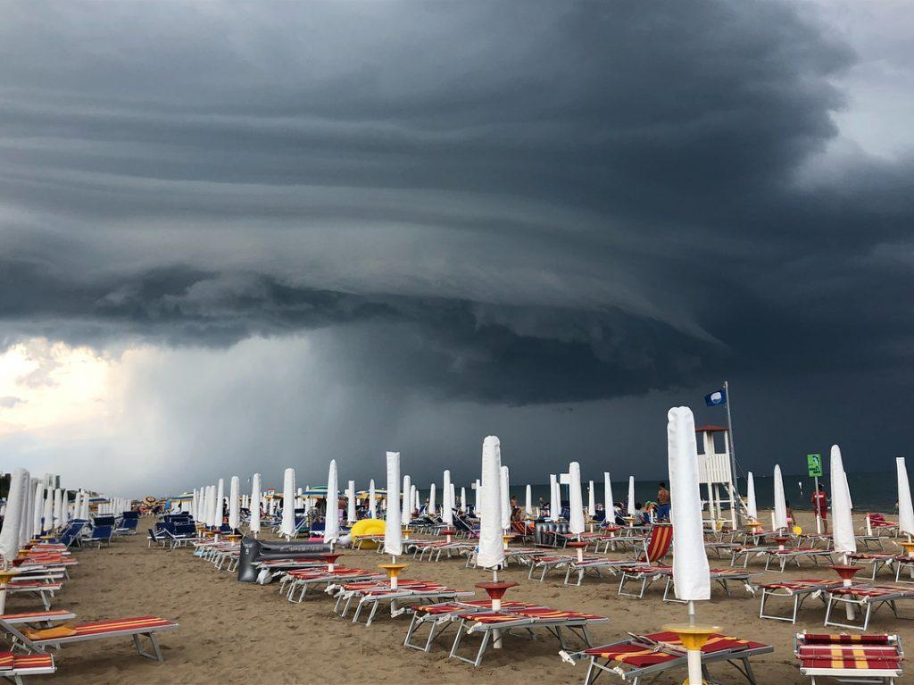 maltempo mare estate allerta meteo shelf cloud (1)