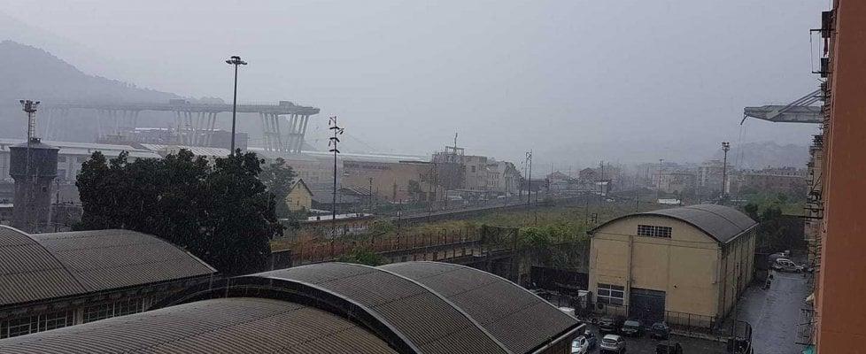 crollo ponte autostrada a10 genova