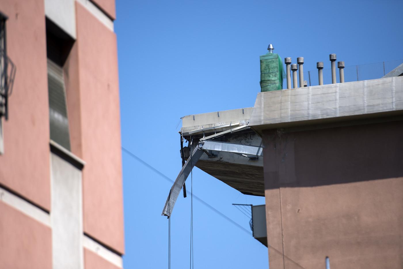 Crollo ponte genova societ autostrade finanzia il for Disegni di ponte a 2 livelli