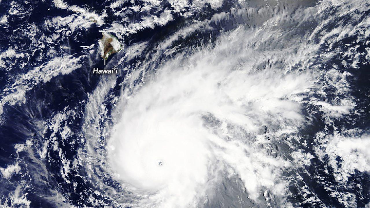 Contea Di Honolulu Hawaii hawaii, primi effetti dell'uragano lane: forti rovesci di
