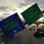 Allerta Meteo, la burrasca si intensifica sull'Italia: danni per il forte vento in Campania, nubifragi verso la Sicilia [LIVE]