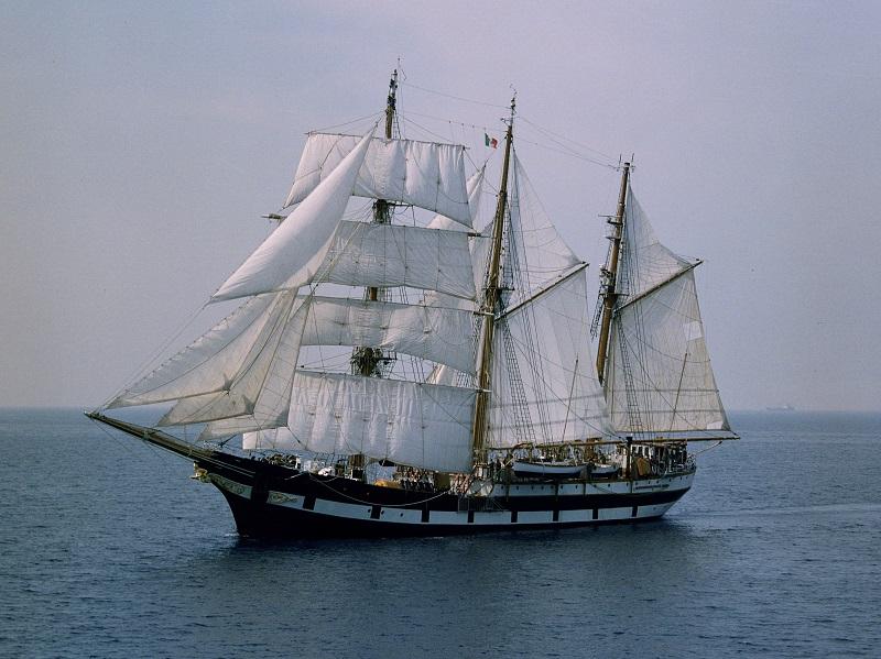 nave Palinuro Marina Militare