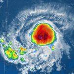 """Atlantico, Isaac continua a fluttuare tra """"tempesta tropicale"""" e """"uragano"""": Piccole Antille nel mirino [MAPPE]"""