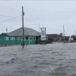 Uragano Florence: nel Nord Carolina venti a 143 km/h, onde alte 9 metri, inondazioni di 2 metri e il peggio deve ancora venire [FOTO e VIDEO]