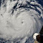"""Allerta Meteo, Europa e America si risvegliano con l'incubo di una """"staffetta"""" di Uragani Atlantici: """"Florence"""", """"Isaac"""" e """"Helene"""" infuriano sull'Oceano e minacciano le coste [LIVE]"""