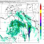 Maltempo, Calabria in ginocchio: si temono vittime. Allerta Meteo per tutt'Italia: il ciclone insiste al Sud e nel weekend risalirà verso il Centro/Nord