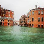 Maltempo, acqua alta record a Venezia: raggiunta marea di 156cm, evacuata piazza San Marco [FOTO e VIDEO LIVE]