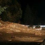 Maltempo, enorme frana al confine tra Italia e Austria: chiuse la ferrovia e l'autostrada del Brennero, auto travolte [FOTO LIVE]