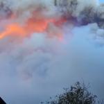 Caldo senza precedenti e forte vento di foehn al Nord, disastrosi incendi sulle Alpi: situazione critica ad Agordo [FOTO e VIDEO LIVE]