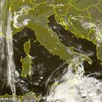 Allerta Meteo, allarme alluvione all'estremo Sud: Calabria e Sicilia investite da temporali violentissimi in risalita da Sud [MAPPE]