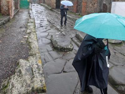 Maltempo: la direzione di Pompei chiude scavi a causa del..