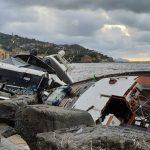"""Maltempo, mareggiata a Rapallo: """"strage"""" di yacht, affondato anche quello di Berlusconi [GALLERY]"""