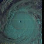 Pacifico, Kong-Rey è un super tifone di categoria 5: Giappone, Taiwan, Cina e Corea del Sud in allerta per venti devastanti e alluvioni [MAPPE]