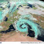 """Allerta Meteo, un """"Super-Ciclone"""" sull'Italia: bombe d'acqua e caldo record, situazione senza precedenti [LIVE]"""