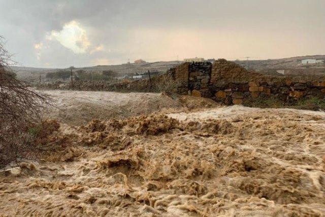 alluvioni deserto arabia saudita