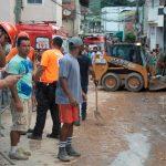 Piogge torrenziali in Brasile, frana travolge edifici: almeno 10 morti, un bambino tra le vittime [GALLERY]