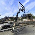California in ginocchio per l'incendio più devastante della storia: il bilancio delle vittime sale a 50 [GALLERY]