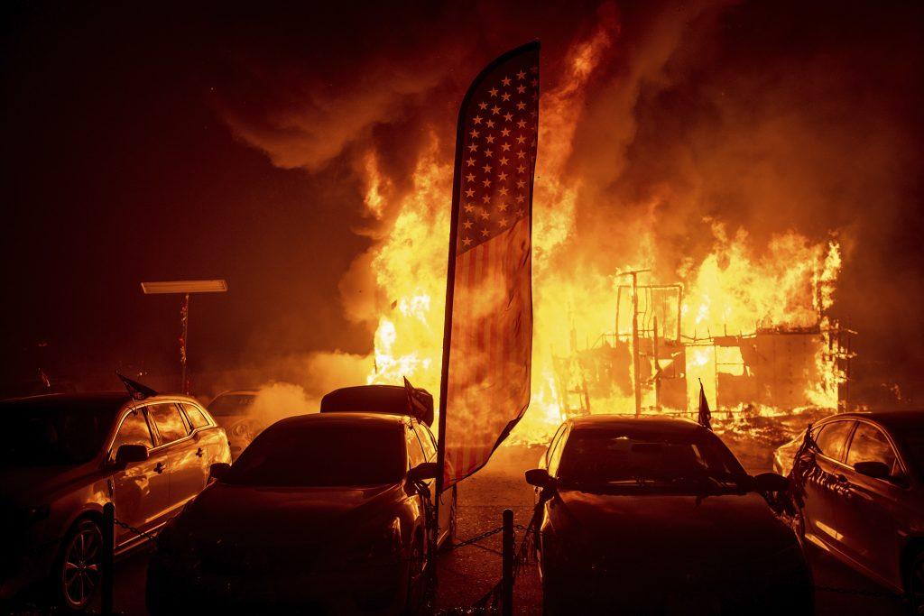 incendio camp fire california