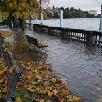 Maltempo, paura al Nord per la piena del Po. Esondati il Lago Maggiore e il Lago d'Orta, inondazioni in atto [FOTO LIVE]