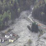 """Maltempo, Borrelli: """"situazione apocalittica"""". Migliaia di alberi finiscono nella digadi Comelico [FOTO LIVE]"""