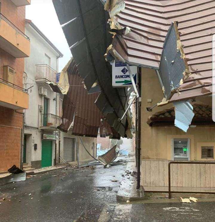 maltempo tornado cutro calabria