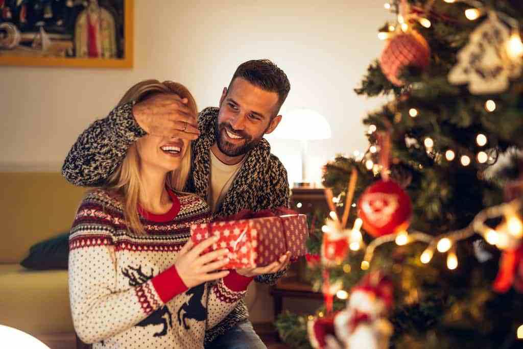 4700b14444 Originali, sorprendenti, classici o evergreen: qualunque sia il regalo che  sceglierete per la vostra lei o per il vostro lui, ciò che è certo è che la  ...