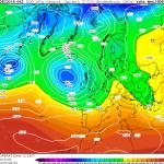 Previsioni Meteo Natale, la tendenza a medio e lungo termine: tra Anticiclone delle Azzorre e incursioni fredde foriere di maltempo e nevicate