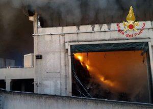 roma incendio rifiuti salaria
