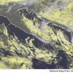 Allerta Meteo, altre 24 ore di neve al Sud: Puglia e Sicilia le Regioni più colpite, si imbiancherà anche Reggio Calabria [MAPPE]