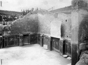 schola armaturarum pompei