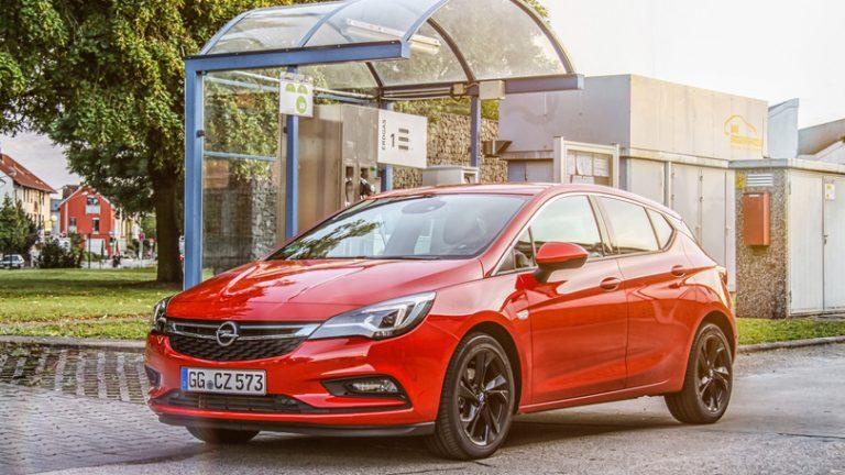 Opel Astra 5 porte e Wagon da 24.400 euro