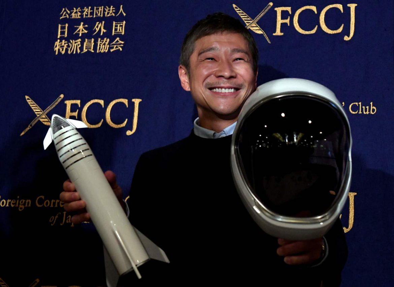 Turismo spaziale, Yusaku Maezawa sarà il primo turista ad atterrare sulla Luna