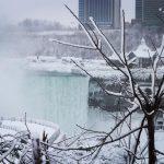 """-25°C e le cascate del Niagara si """"ammutoliscono"""": uno spettacolo mozzafiato di neve e ghiaccio [FOTO e VIDEO]"""