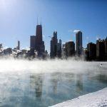 Ondata di gelo record negli USA, Midwest paralizzato: almeno 8 morti, caos trasporti