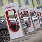Tesla: ecco quanto aumentano i costi di ricarica in Italia [GALLERY]