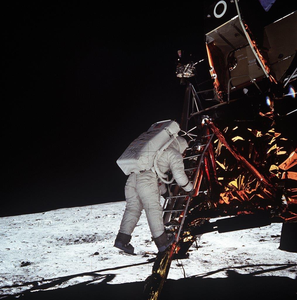 2069, un secolo di luna