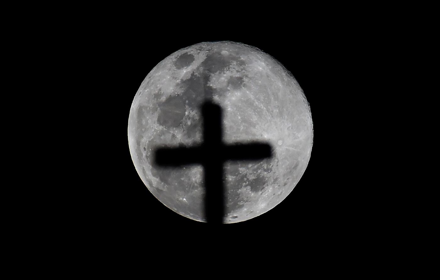 Calendario Lunare Aprile 2020.Equinozio Di Primavera E Superluna La Luna Piena Del 21