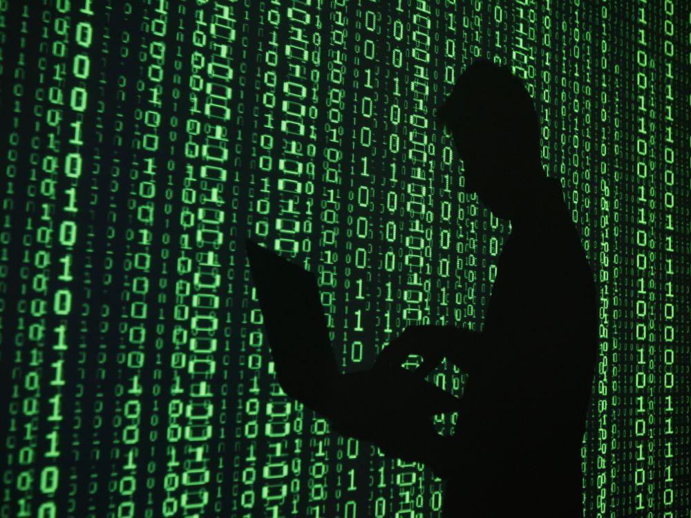 cover intelligenza artificiale binario blockchain cyber security matrix