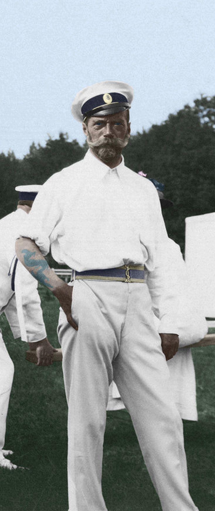 Nicola II di Russia, zar, aveva un dragone sul braccio sinistro come ben mostra la foto. (Fonte immagine: Romanov Photo Album vol. 2 (Yale)-85)