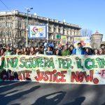 """Clima, oggi il """"Global Strike For Future"""": studenti in piazza in tutta Italia per salvare la Terra [GALLERY]"""