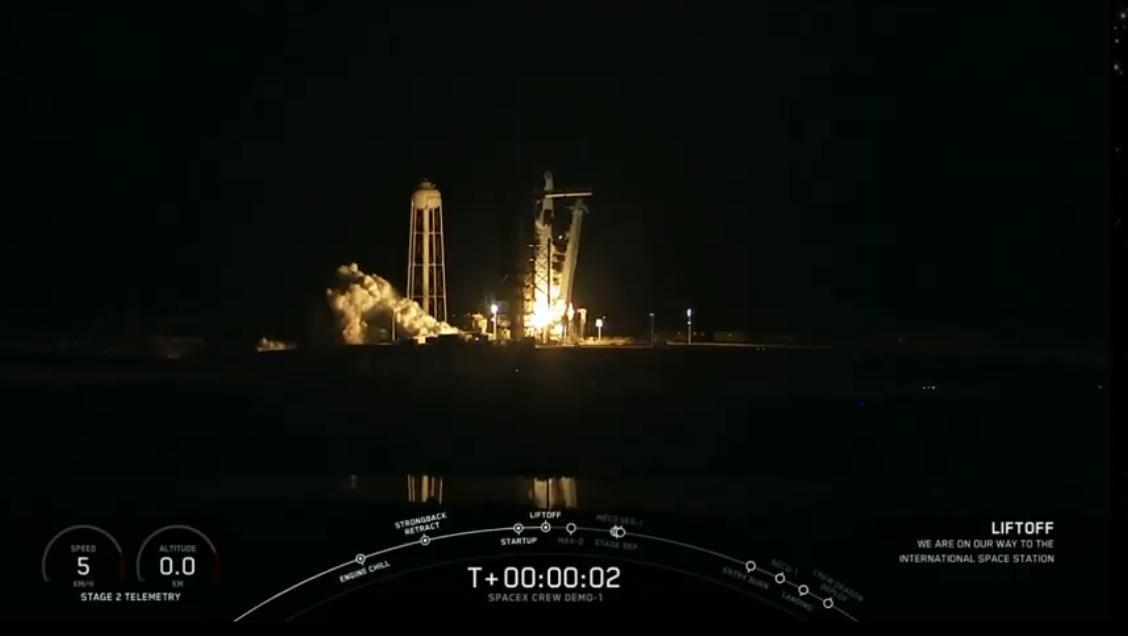 liftoff crew dragon spacex