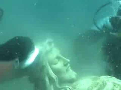 statua crocifisso lago michigan