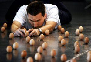 uova equilibrio equinozio